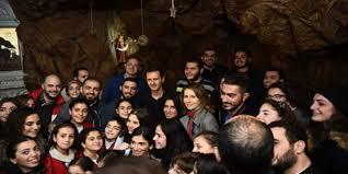 الرئيس بشار الأسد وزوجته في كنيسة سيدة دمشق