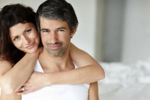 4 أشياء غريبة لدى الرجل تجذب المرأة إليه