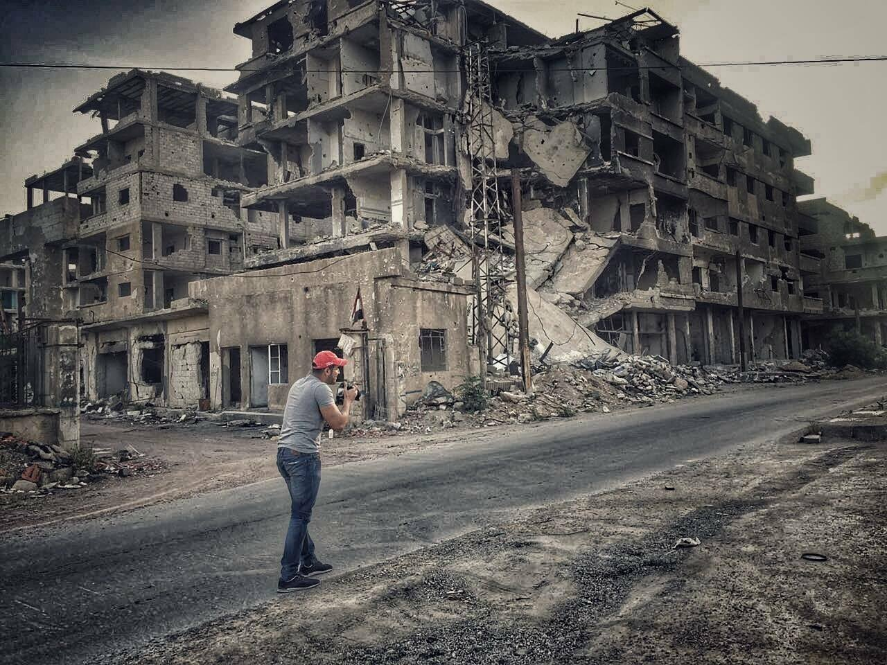 خاص | ستيف للجمهورية: استاذي البريطاني هو من قيمني .. وأعمالي طُبعت بقياسات كبيرة في شوارع لبنان والامارات..