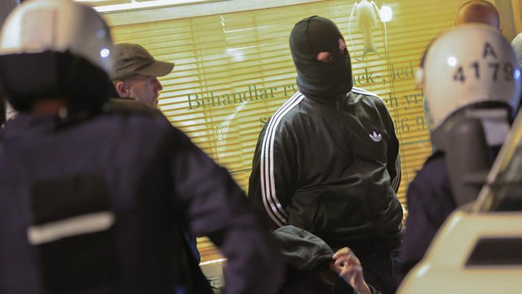 ملثمون يعتدون على الأجانب في ستوكهولم