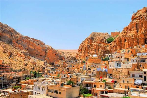 معلولا وصيدنايا.. قبلة السياحة السورية المقبلة