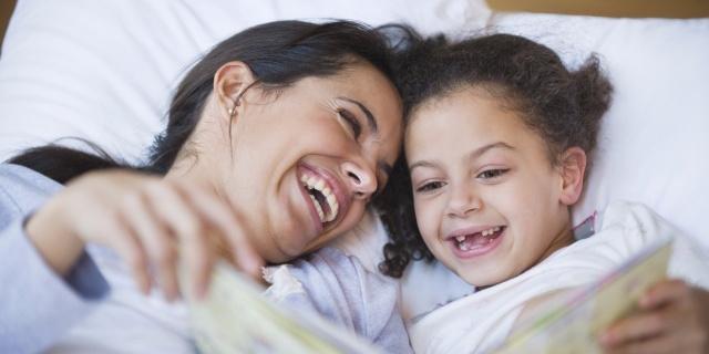 حيل سهلة تدفع طفلك إلى النوم في وقت مبكر... إكتشفيها