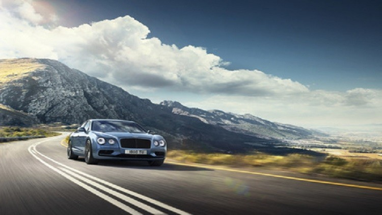 أسرع سيارة سيدان في التاريخ