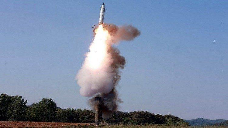 بيونغ يانغ تطلق مجددا صاروخا باليستيا سقط في بحر اليابان