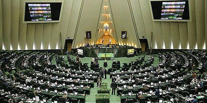 مسلحون يطلقون النار في مبنى مجلس الشورى الإسلامي الإيراني وفي مرقد الإمام الخميني
