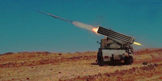 """الجيش العربي السوري يستعيد السيطرة على عدد من البلدات والنقاط الحاكمة بريف السويداء الشرقي ويوجه ضربات مكثفة على محاور تحركات إرهابيي """"داعش"""" على طريق الرقة-دير الزور"""