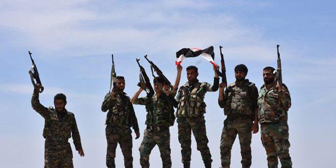 """الجيش العربي السوري يقضي على مجموعات من إرهابيي """"داعش"""" و """"النصرة"""" في ريفي حماة ودير الزور"""