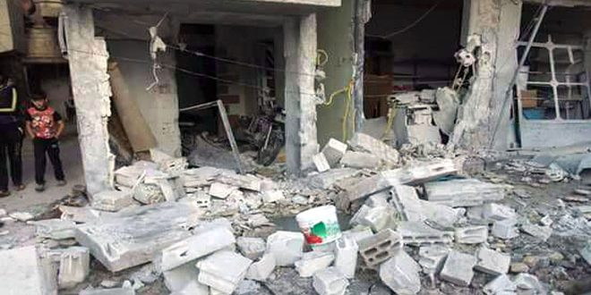 """إصابة 8 أشخاص معظمهم أطفال جراء اعتداء إرهابيي """"داعش"""" بقذيفة صاروخية على مدينة سلمية"""