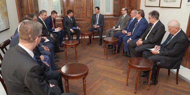 الرئيس الأسد لوفد روسي: الانتصارات التي يحققها الجيش العربي السوري بمساعدة الدول الصديقة مهدت الطريق لإعادة دوران العجلة الاقتصادية والبدء بإعادة الإعمار