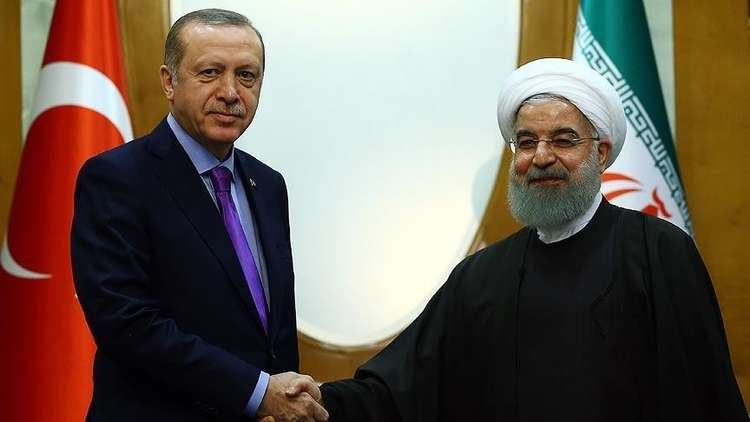 أردوغان وروحاني يشيدان بمؤتمر سوتشي حول سوريا ويبحثان عقد قمة ثلاثية في اسطنبول