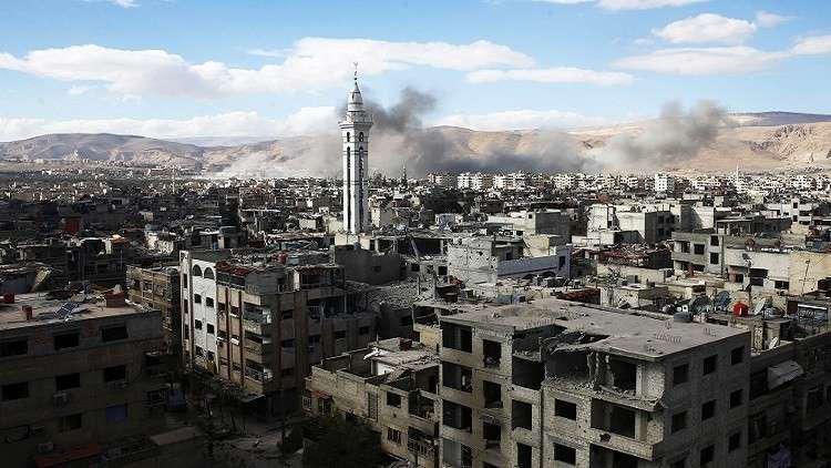 إجلاء عشرات المدنيين من الغوطة الشرقية.. ومسلحون يخرجون باتجاه إدلب