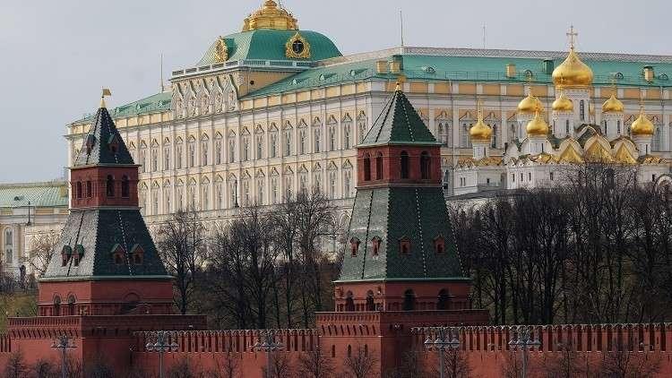 الكرملين: موسكو سترد بالمثل على طرد دبلوماسيين روس