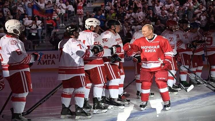 الرئيس بوتين يشارك بمباراة لهوكي الجليد في سوتشي