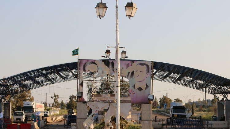آلاف الشاحنات بانتظار فتح الحدود السورية الأردنية